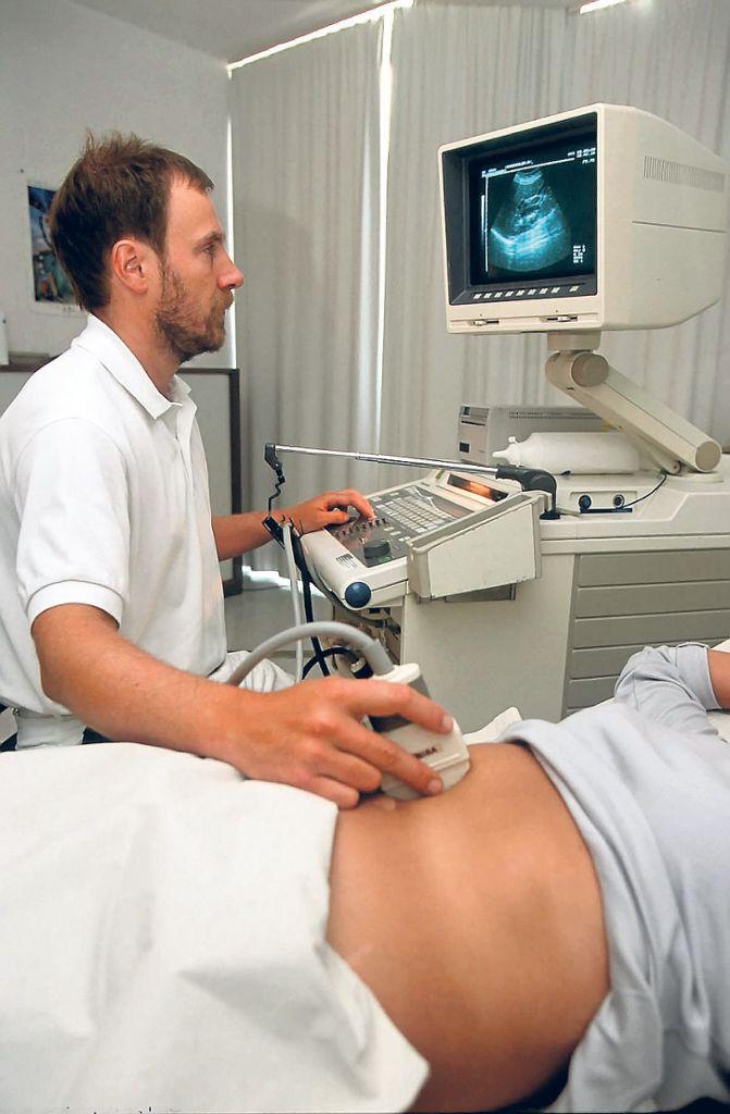 Frauenarzt nackte frauen beim Nackte Inez