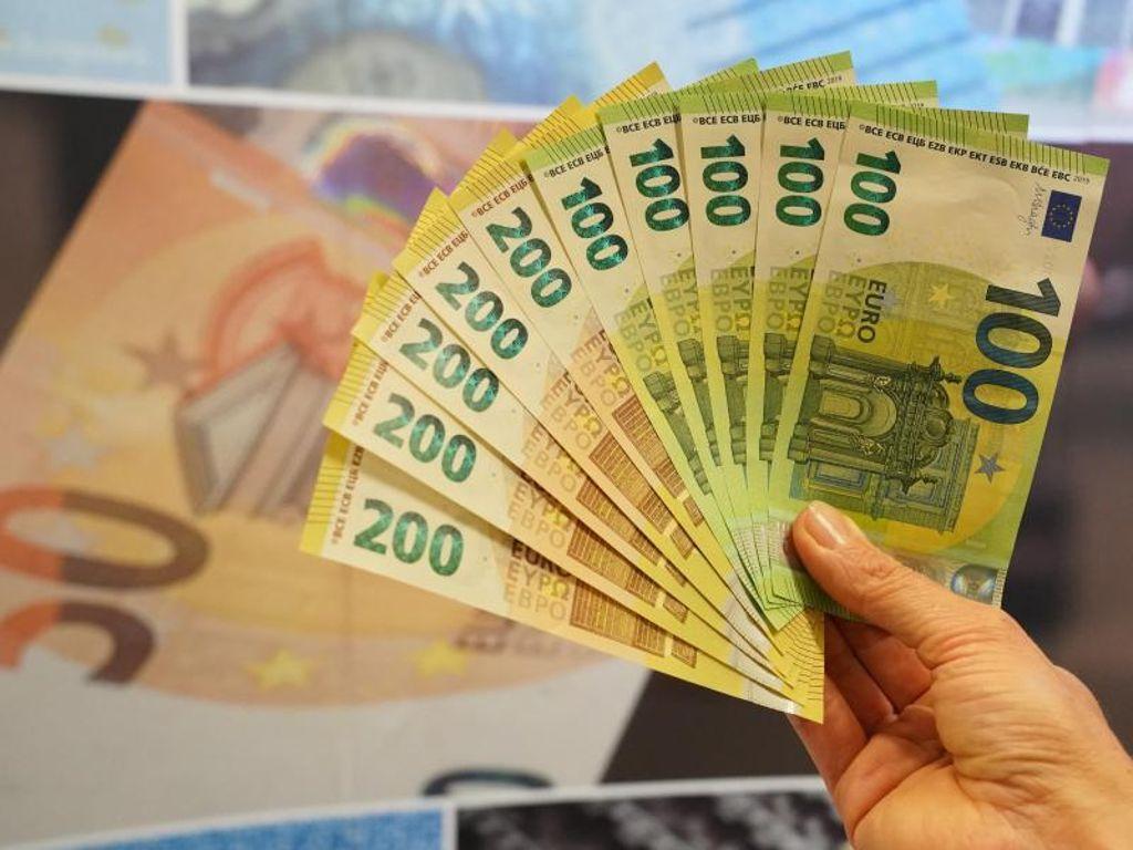 Neuen Sicherheitsmerkmale Neue 100 Und 200 Scheine Zweite Euro